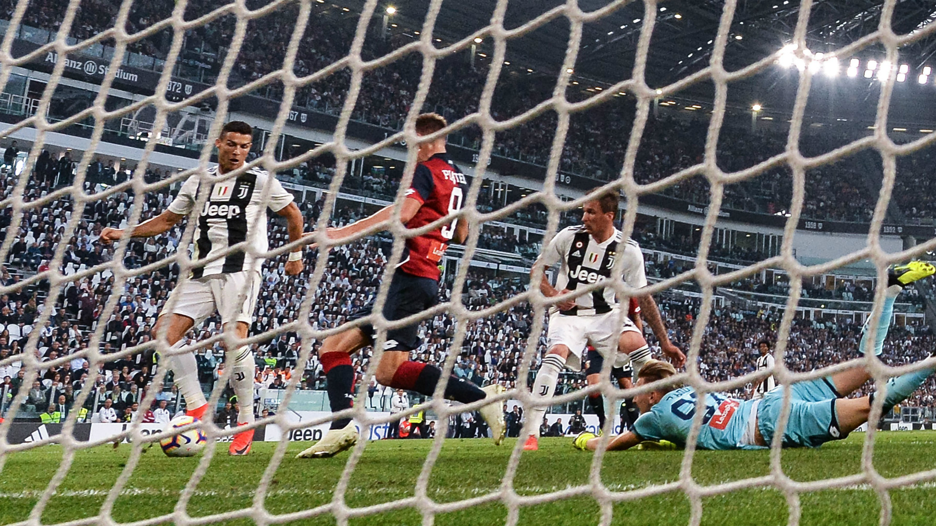 Ronaldo goal Juventus Genoa
