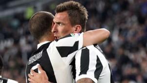 Mario Mandzukic Gonzalo Higuain Juventus Fiorentina