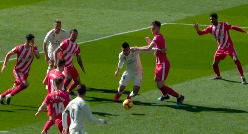 Penalti a Casemiro Real Madrid Girona