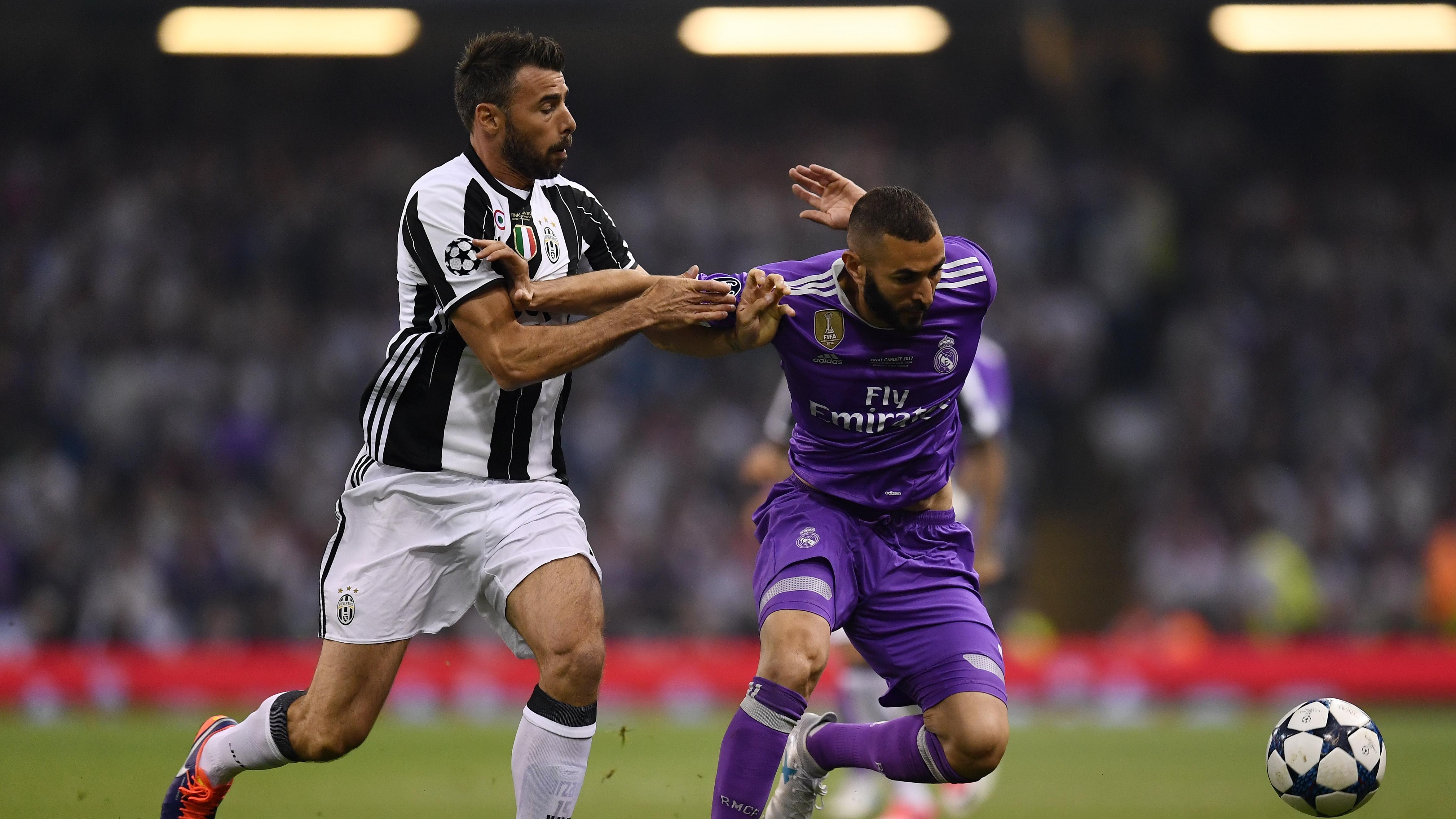 Paulo Dybala Juventus Casemiro Real Madrid Champions League