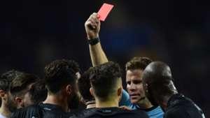 Referee red card Porto