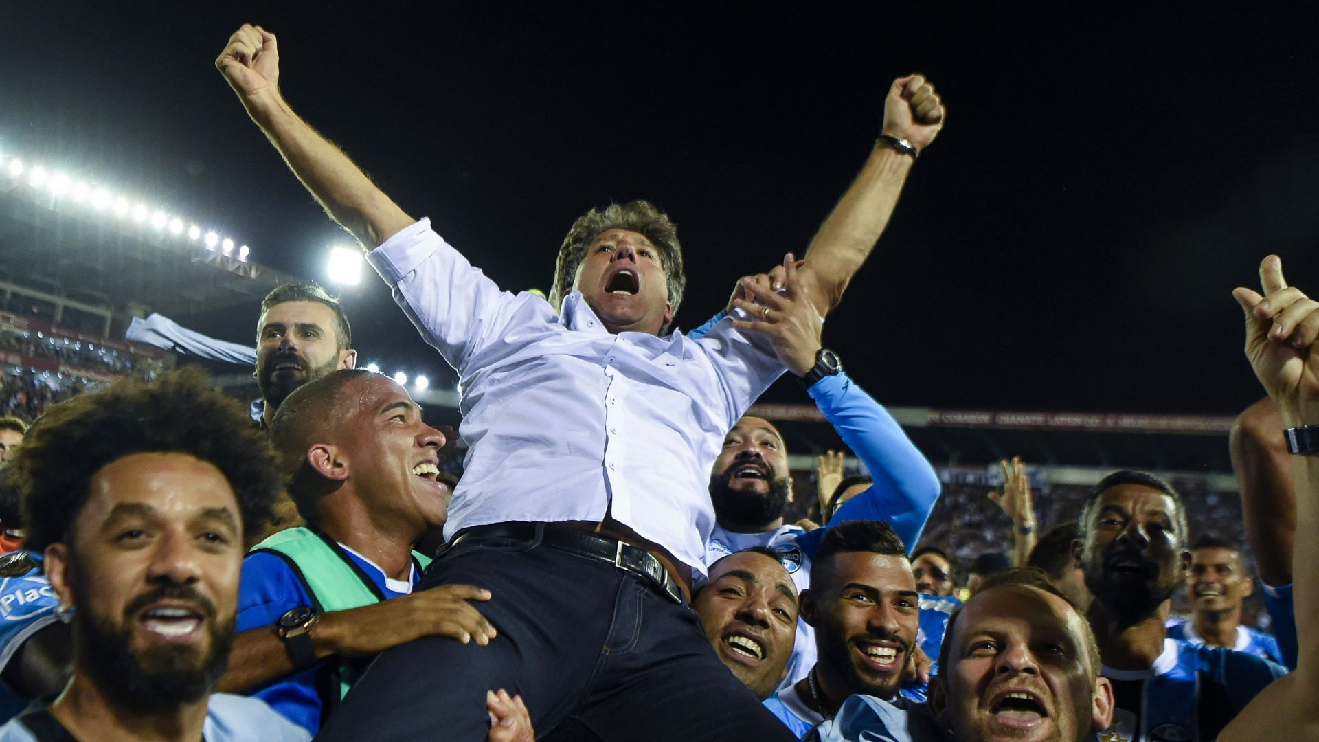 Vantagem brasileira na final da Libertadores — Lanús-Grêmio