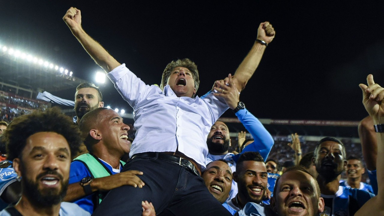 Presidente do Grêmio garante valorização na negociação para renovar o contrato de Renato