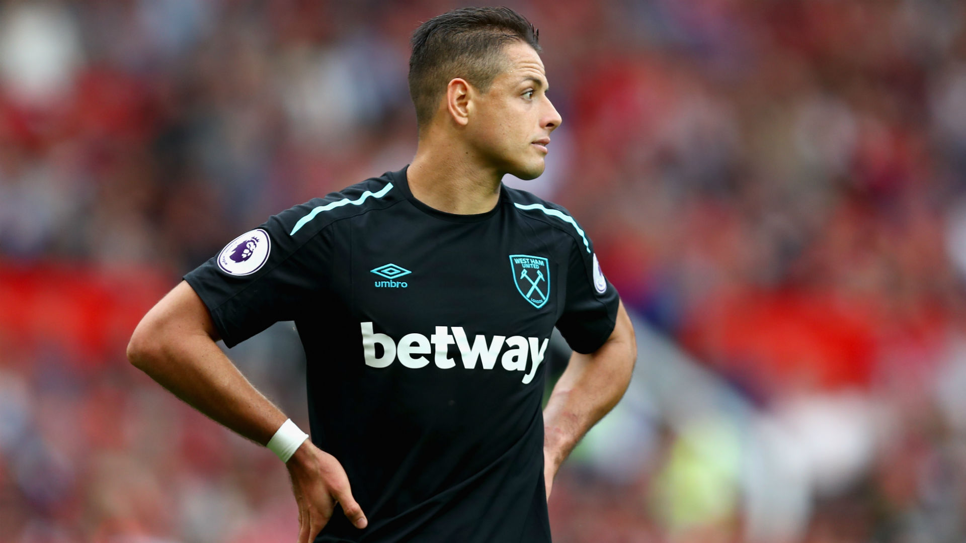 West Ham vendería al 'Chicharito' en este mercado de pases