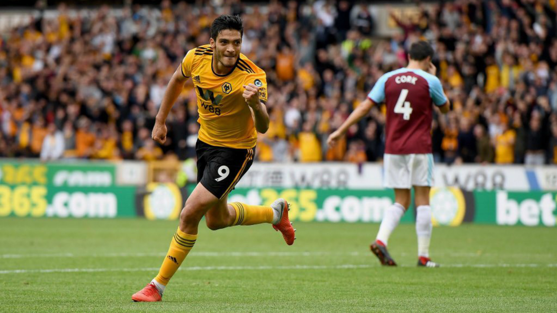 Raúl Jiménez anota en la victoria del Wolverhampton