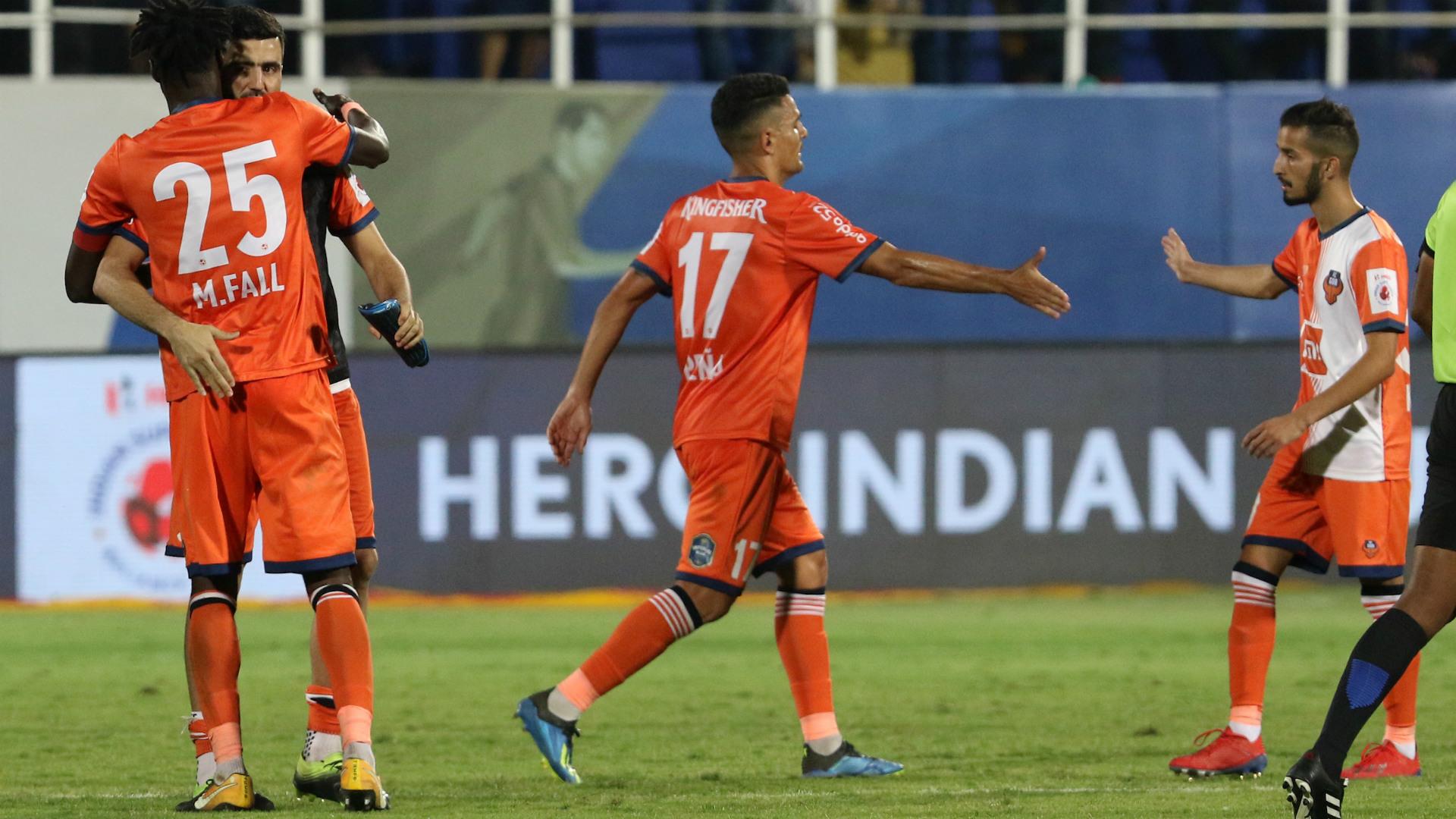 FC Goa players celebrating ISL 5