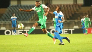 Gor Mahia striker Jacques Tuyisenge v Thierry Manzi of Rayon Sports.