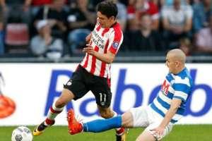 Hirving Lozano debuta con el PSV