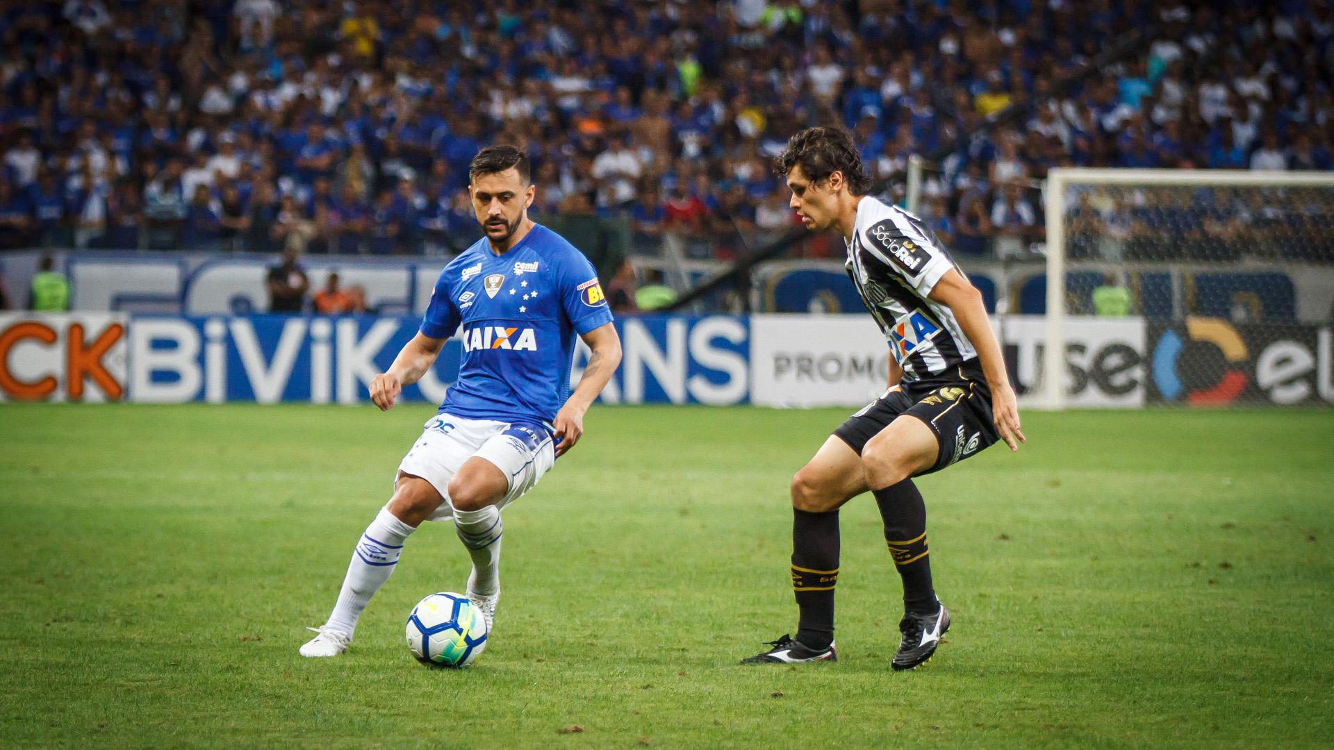 De Arrascaeta Dodo Cruzeiro Santos Copa do Brasil 15082018