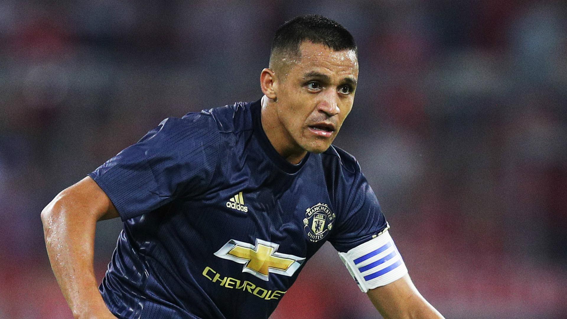 Man Utd News Alexis Sanchez Sounds Trophy Battle Cry Ahead Of New Season Goal Com