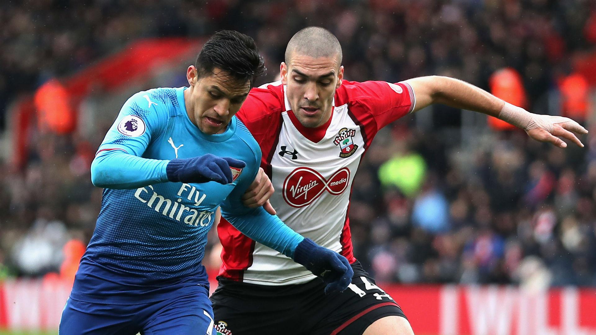 Alexis Sanchez Arsenal Oriel Romeu Southampton
