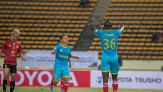 Image result for ทีมเวียดนามบุกอัดลาวโตโยต้า 2-0 เข้าชิงแม่โขงคลับ