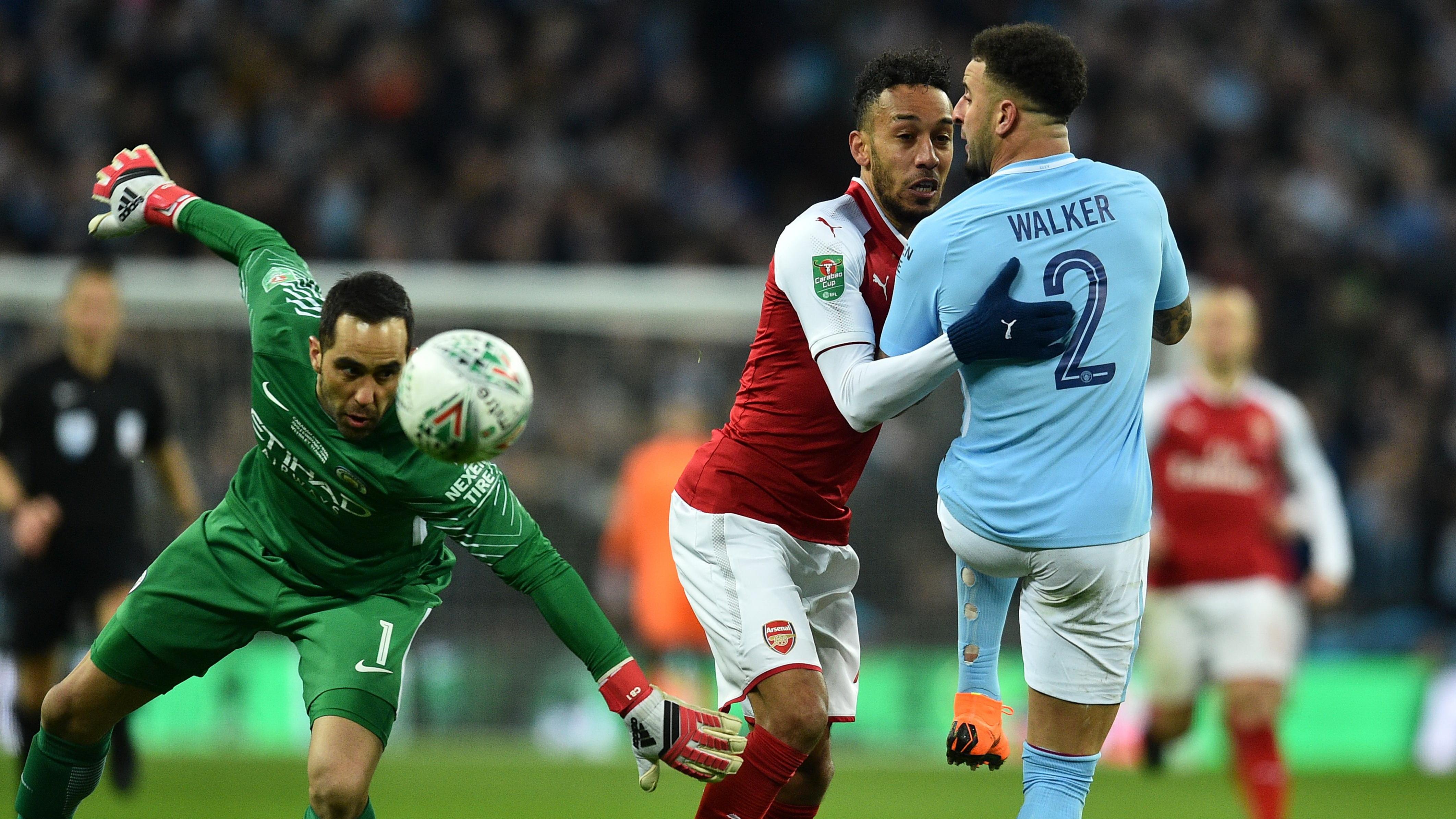 Pierre Emerick Aubameyang Arsenal Claudio Bravo Manchester City