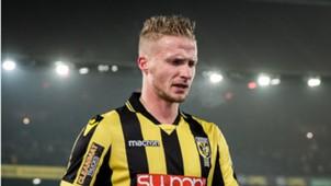 Alexander Büttner, Vitesse, 12022017