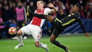Donny van de Beek Alex Sandro Ajax - Juventus 04102019