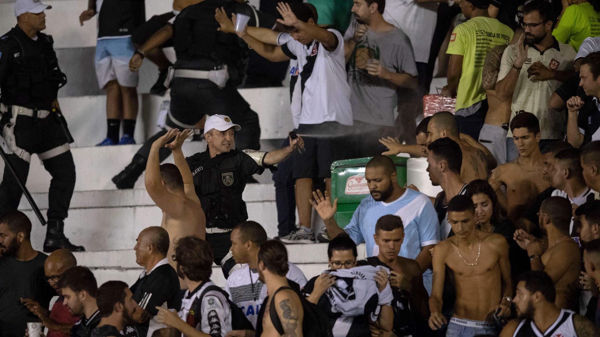 Torcida confusao Vasco Cruzeiro Libertadores 02052018