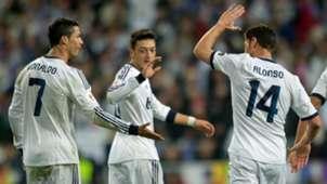 Cristiano Ronaldo Mesut Özil Xabi Alonso Real Madrid