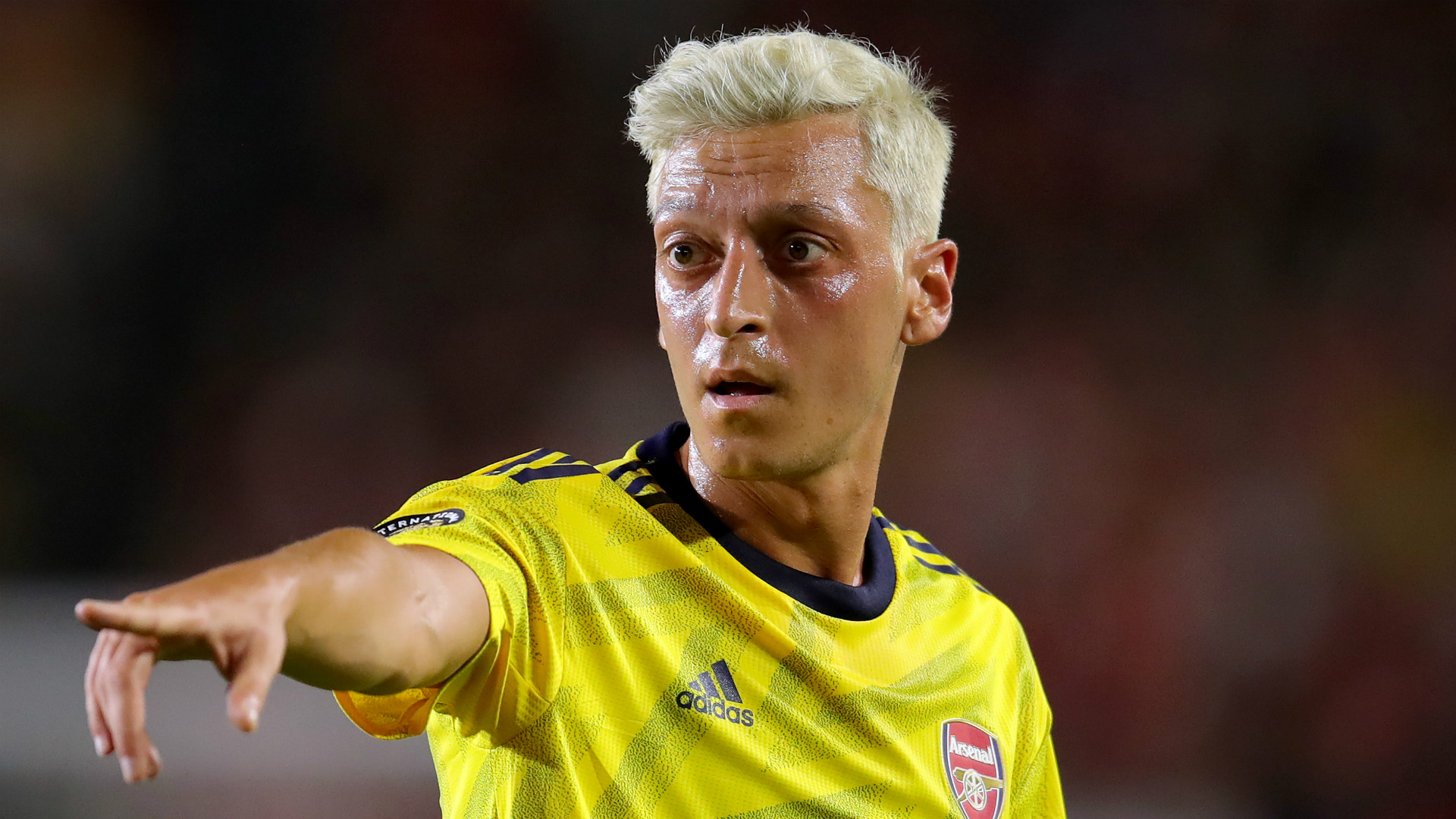 Aubameyang compares Ozil's blond hairstyle to that of US  star Megan Rapinoe
