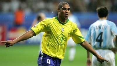 Adriano Argentina Brazil 2005 Confed