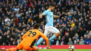 Sergio Aguero Nick Pope Manchester City Burnley 06012018
