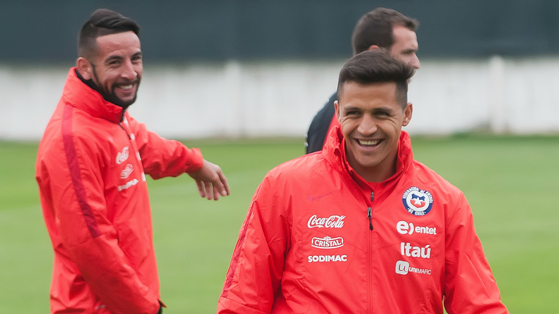 Rueda no debería convocar nunca más a Claudio Bravo — Carlos Caszely
