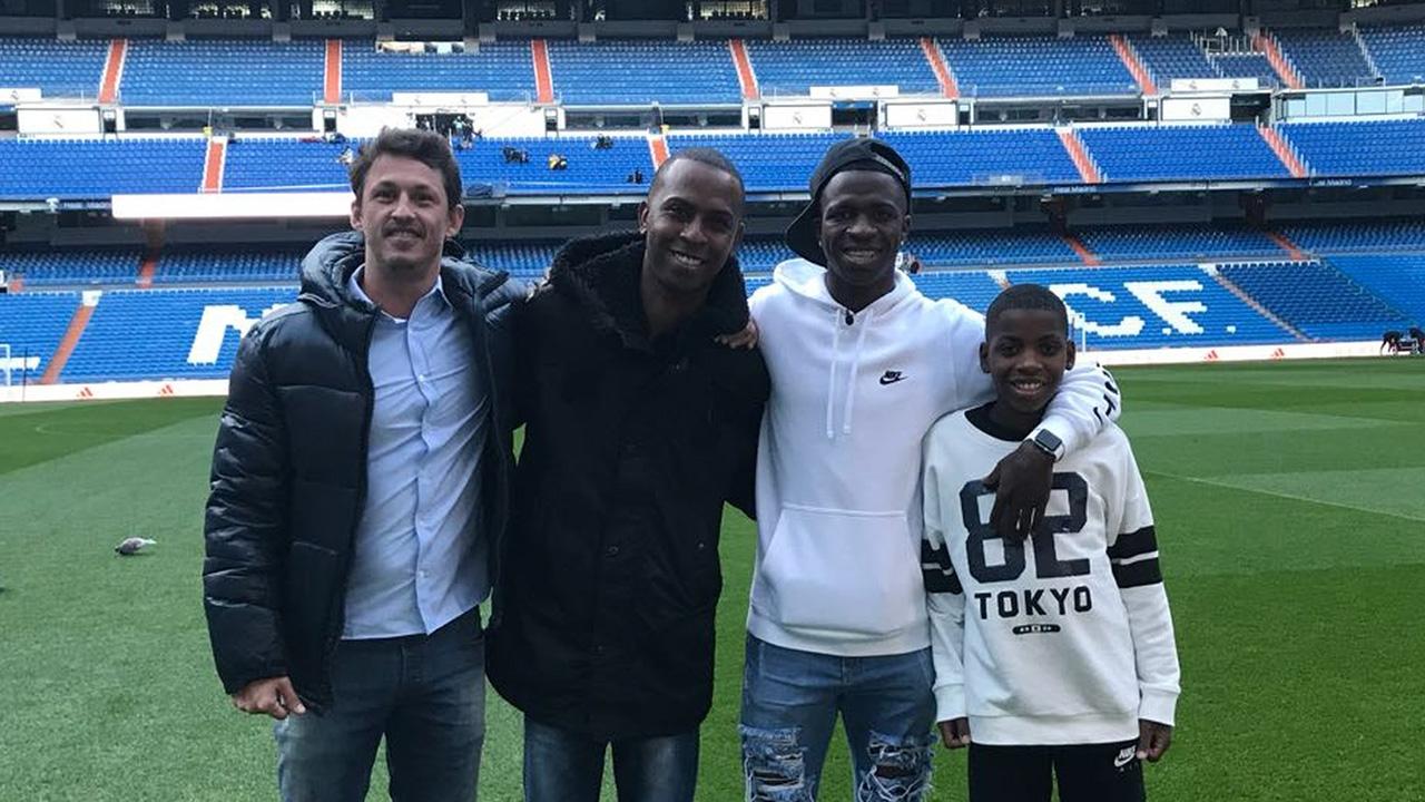 Vinicius Junior visita 2017 Real Madrid