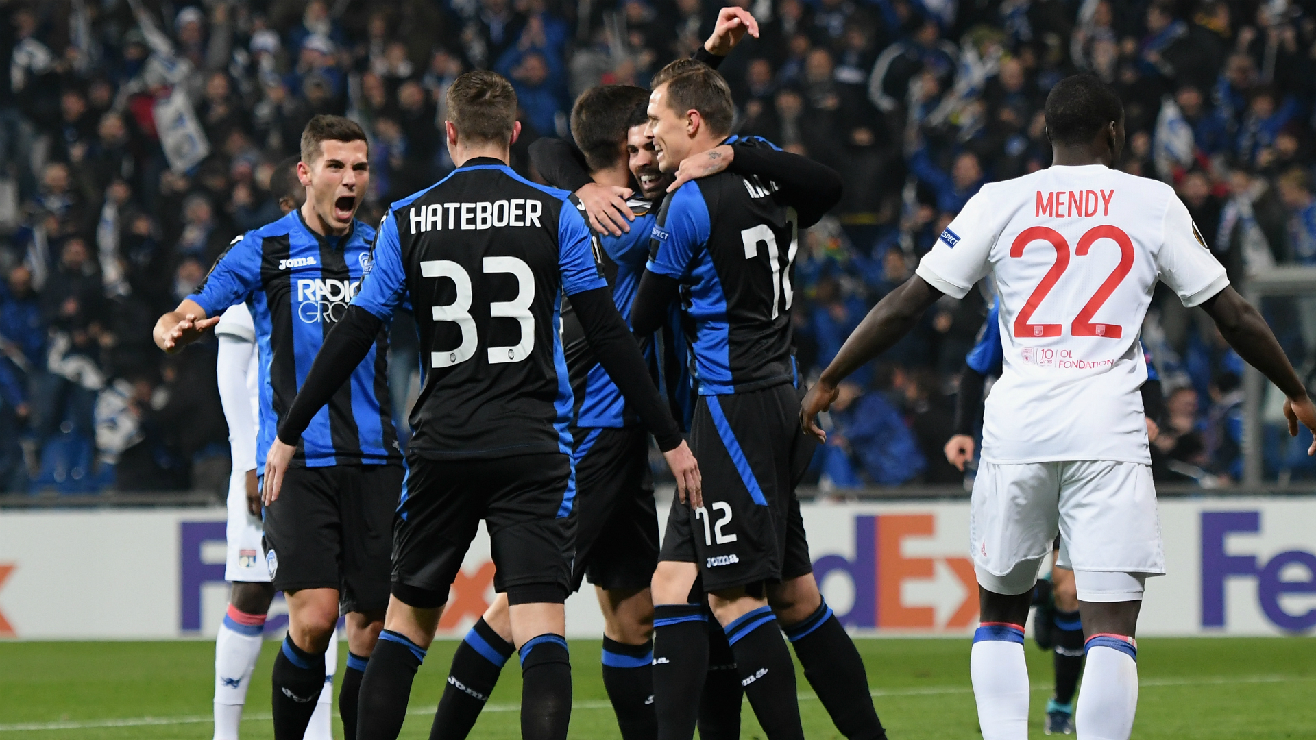 Atalanta celebrating Atalanta Lione Europa League