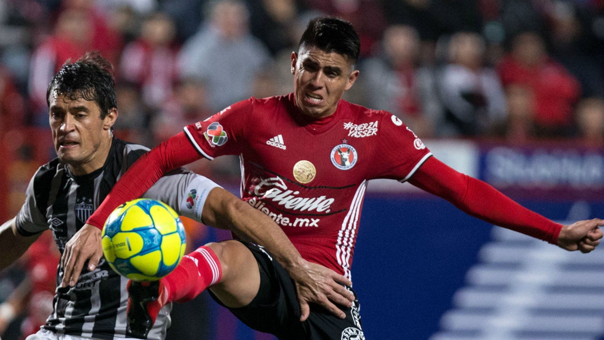 Joe Corona Tijuana Necaxa Liga MX 021017