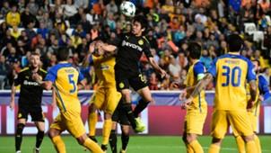 Shinji Kagawa Fan APOEL Borussia Dortmund Champions League 17102017