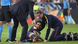 Dani Alves injury PSG Les Herbiers 08052018