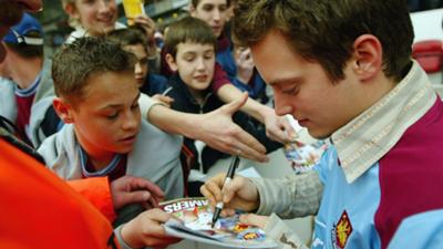 Elijah Wood West Ham 2004