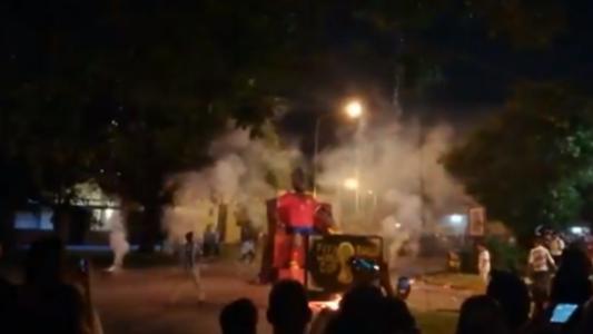 Arturo Vidal muñeco. quema. captura TV