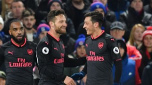 Mustafi Özil Arsenal Palace Premier League 12282017