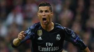 Cristiano Ronaldo quebra mais uma barreira  100 gols não é para ... 7d3238f2bbe14