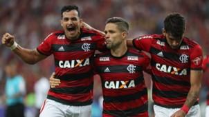 Diego Henrique Dourado Lucas Paqueta Flamengo Vitoria Brasileirao Serie A 23082018