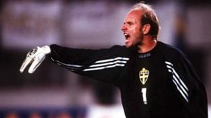 Thomas Ravelli Sweden World Cup 1994.jpg