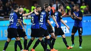 Inter players celebrating Inter Cagliari Serie A