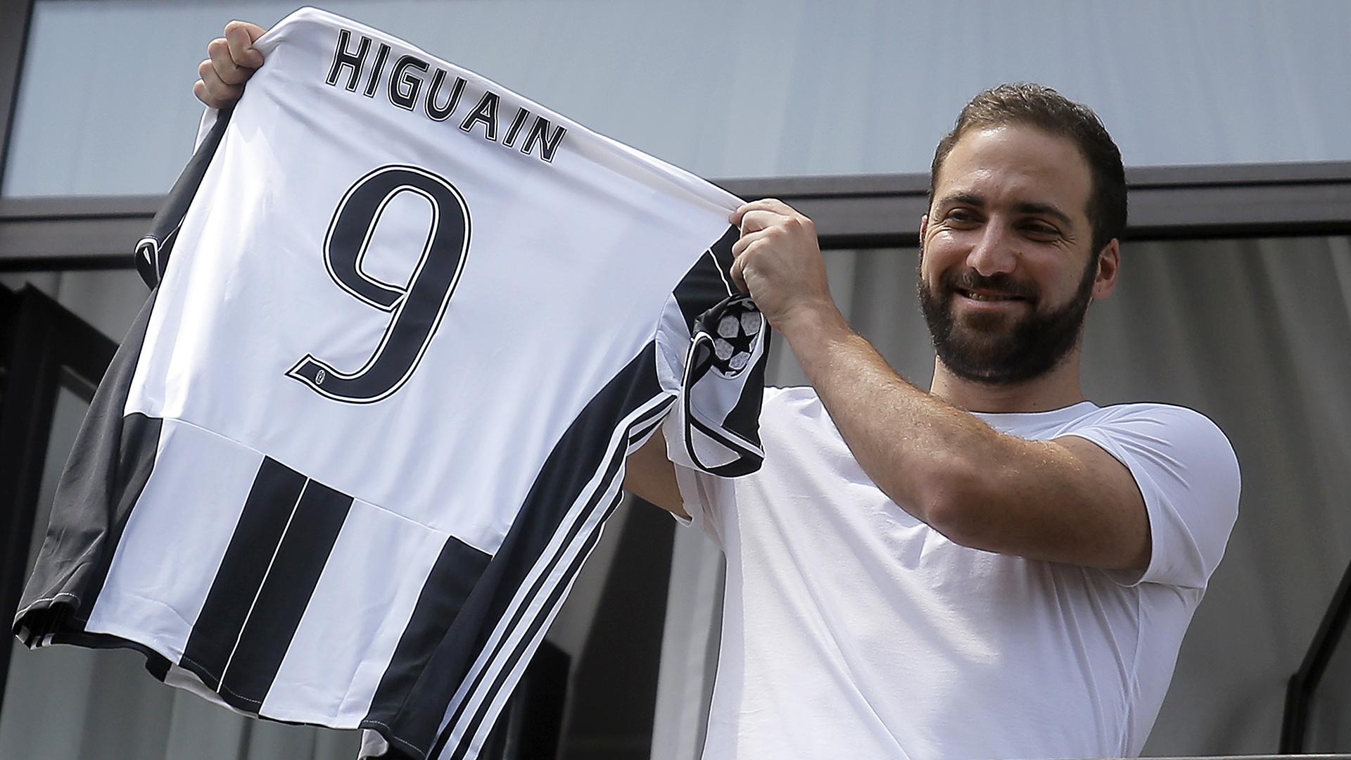 Gonzalo Higuain Juventus shirt