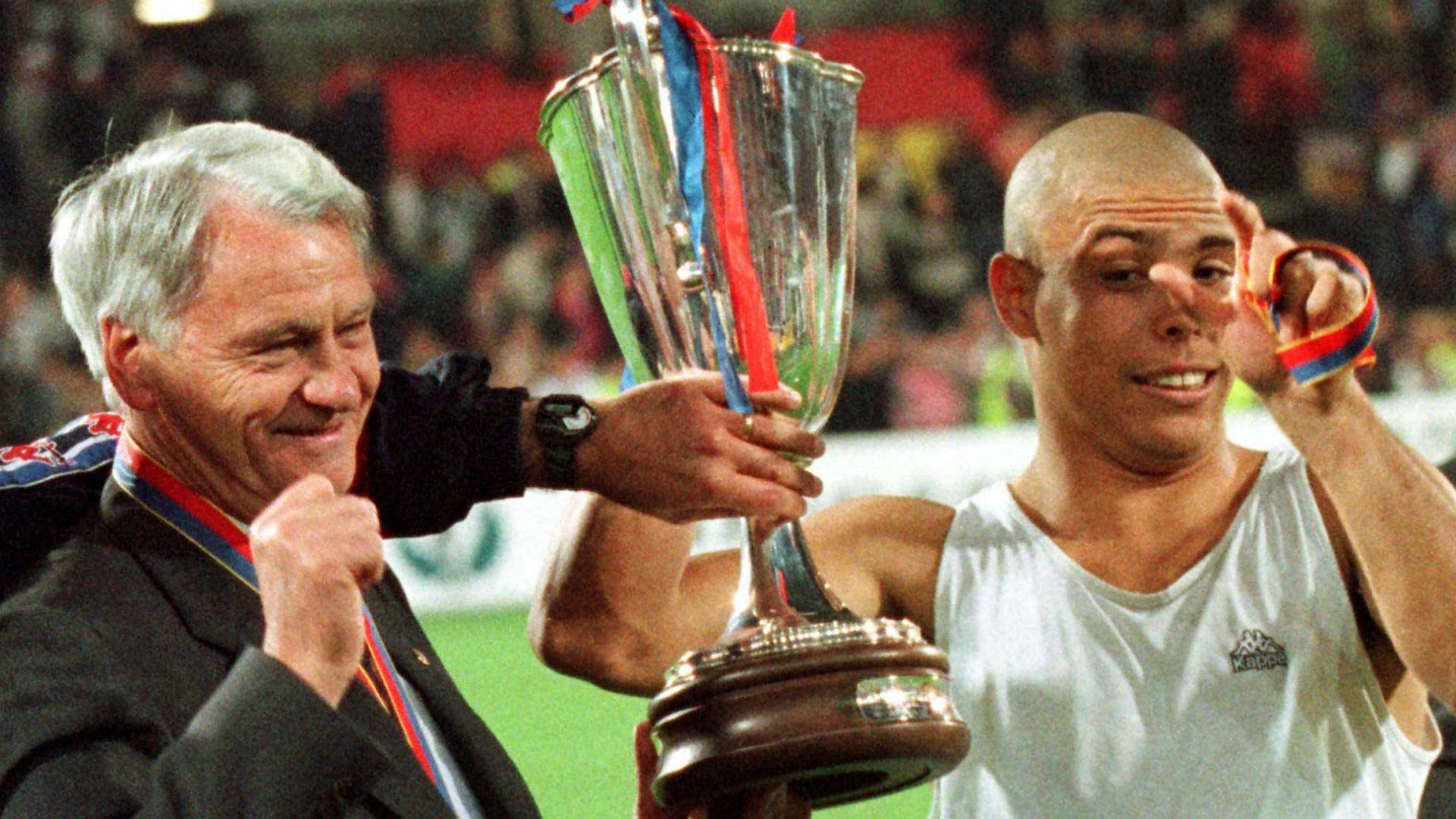 Bobby Robson Ronaldo Barcelona Cup WInners Cup