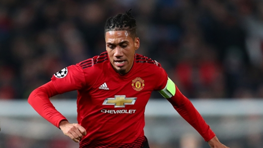 Manchester United Verlangert Vertrag Mit Chris Smalling Goal Com