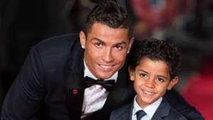 Cristiano Ronaldo und Sohn 09112015