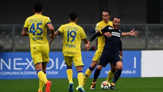 Giampaolo Pazzini Dario Dainelli Chievo Verona Serie A 10222017
