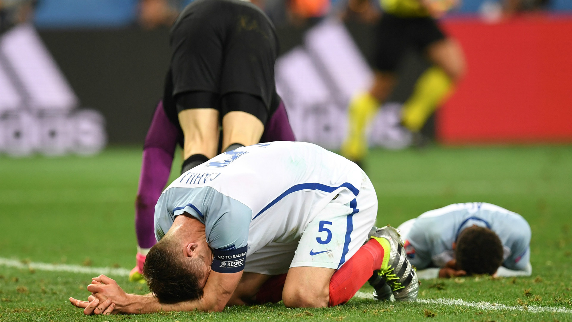 England rocked by injury to star striker ahead of Sweden tie