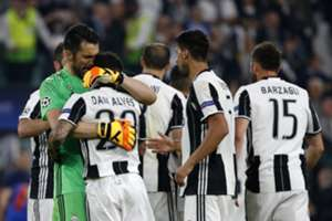 Dani Alves Gianluigi Buffon Juventus