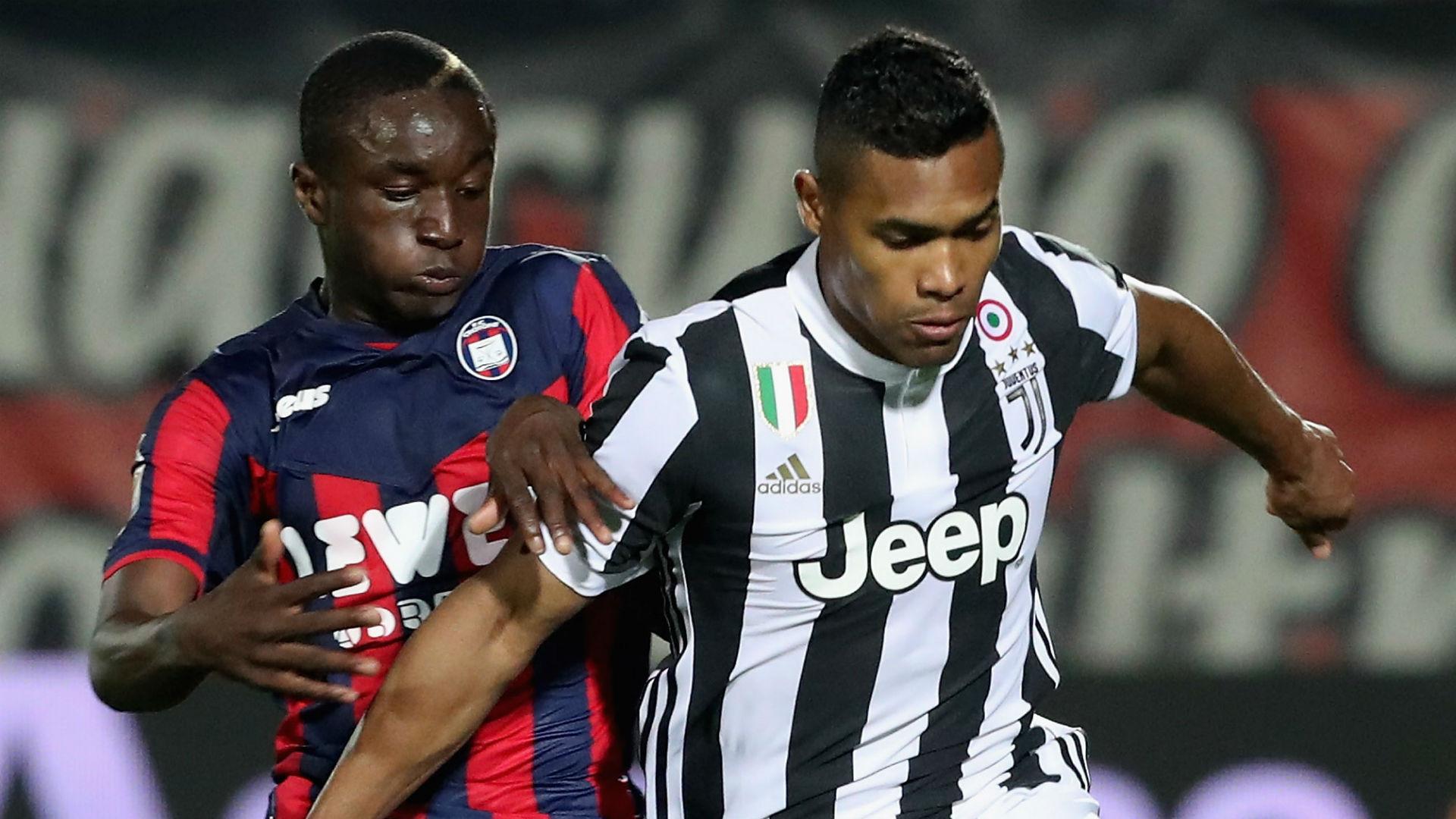 Diaby Crotone Alex Sandro Juventus Serie A