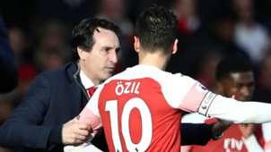 Unai Emery Mesut Ozil Arsenal 2018-19