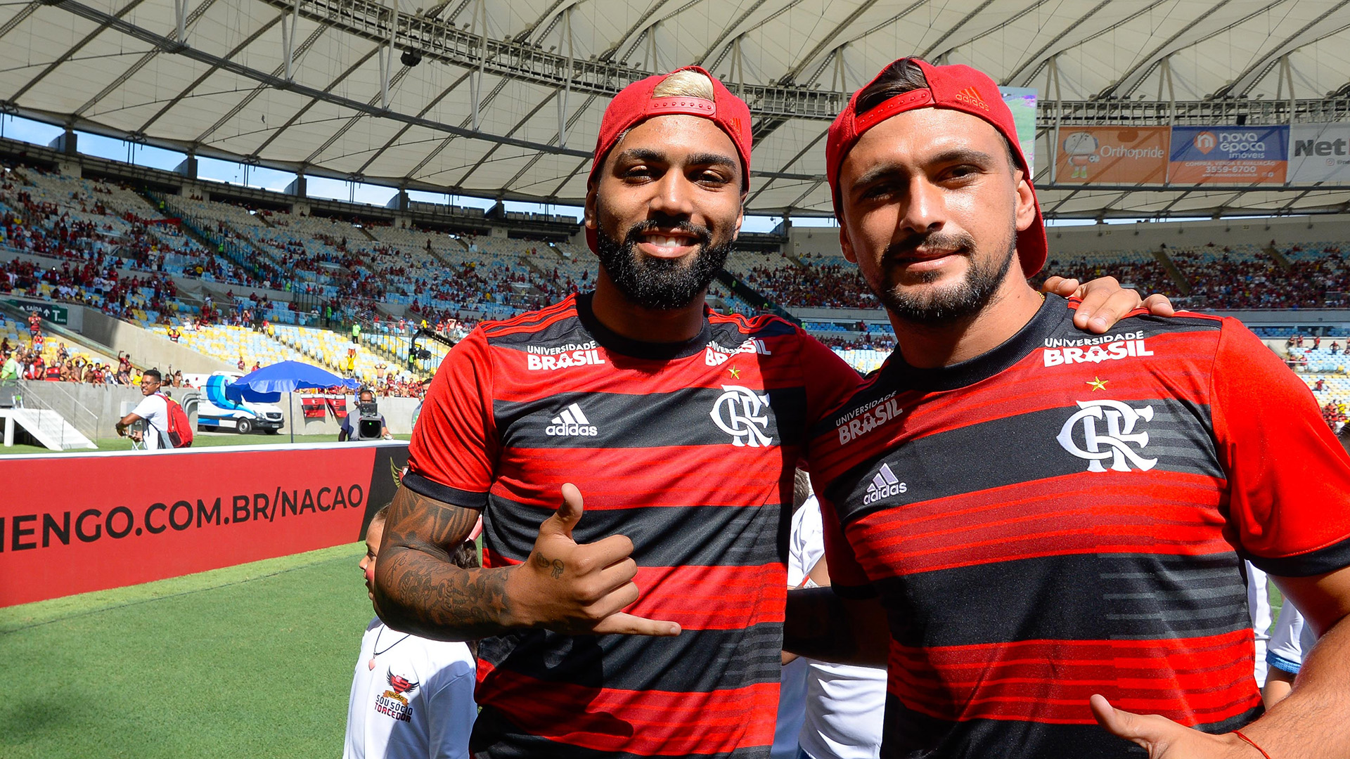 Gabigol Arrascaeta apresentação torcida Flamengo 20012019