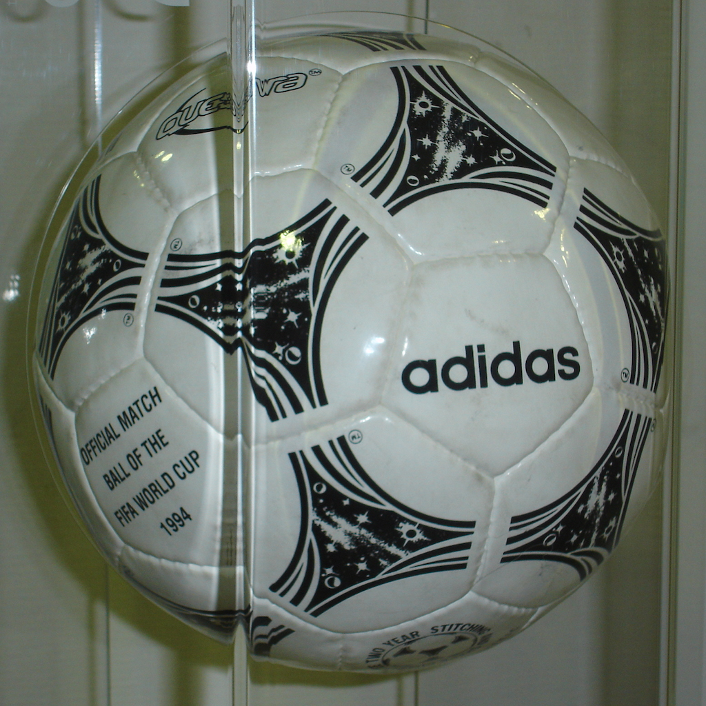 Adidas Questra 1994 World Cup ball