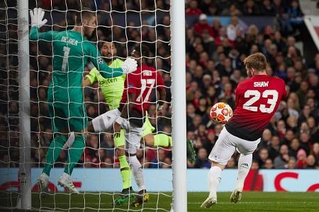 Man United lập kỷ lục buồn về số lần đá phản ở Champions League | Goal.com