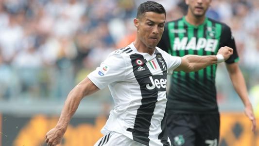 Cristiano Ronaldo marca seus primeiros gols com a camisa da Juventus ... 57987c56e919b